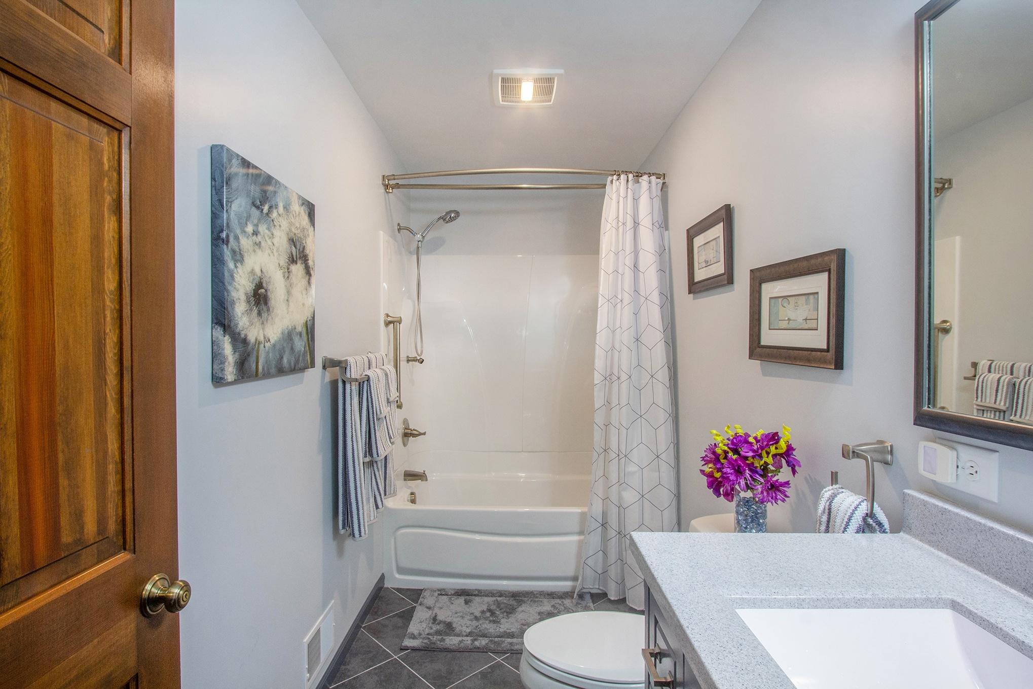 GroveBluff Bathroom and Shower