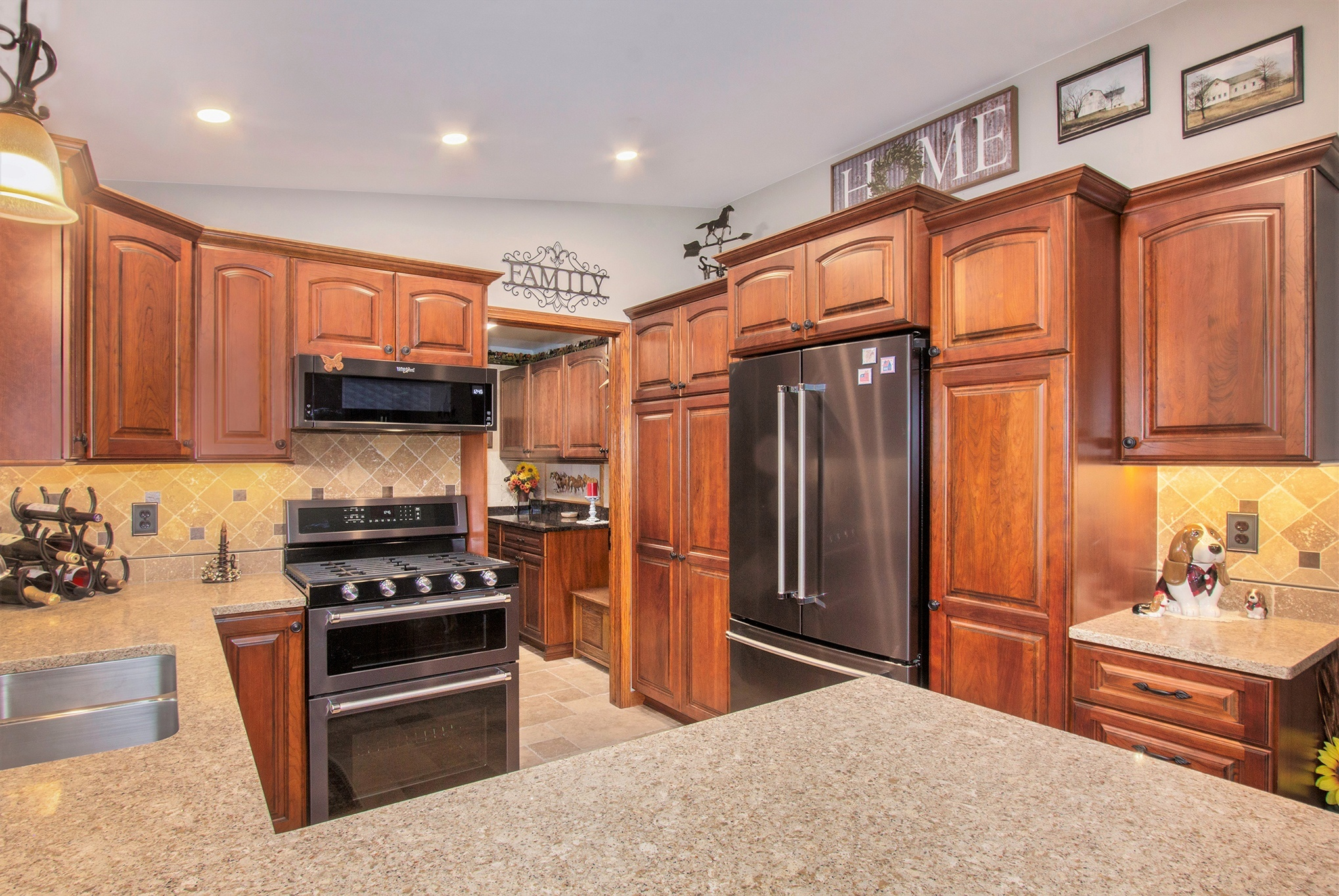 Lowell Kitchen Cabinets and Appliances