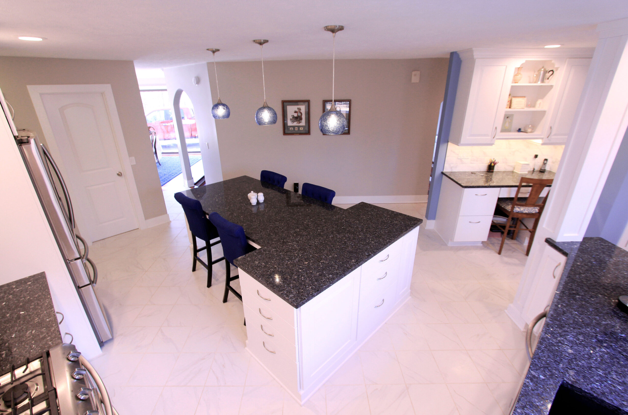 Cascade Kitchen Finish Island with Table Extension and Seating
