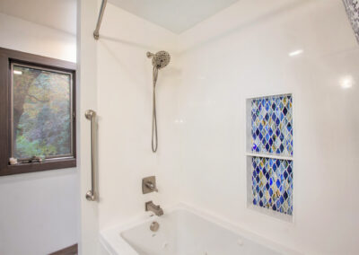 Pratt Lake Bathroom Shower