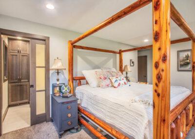 Pratt Lake Bedroom