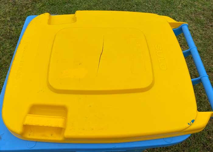 Damaged-Wheelie-Bin-lid
