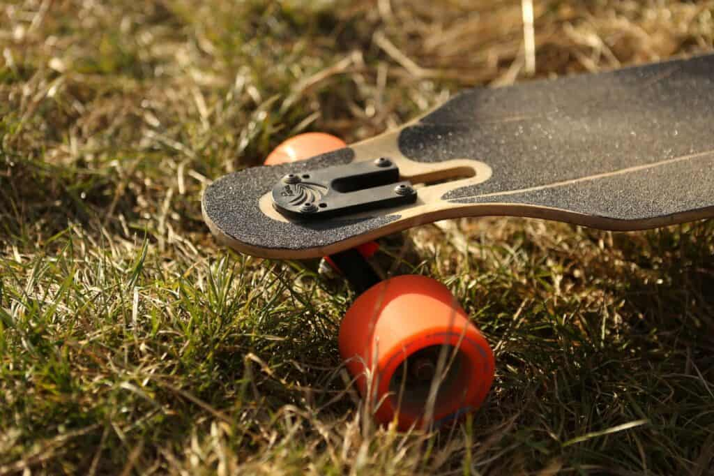 Are Drop Through Longboards Good For Beginners?