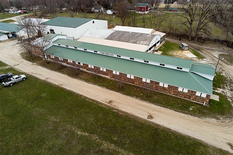 horse barn8