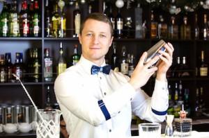 Bartender | Wedding Bartender | The Estate