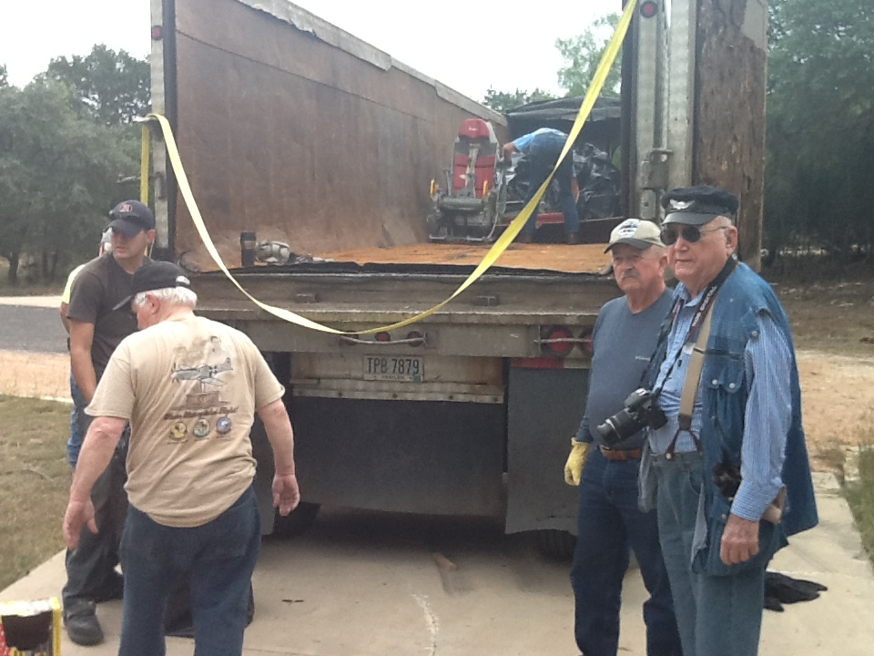 Les Frazier and others loading at Bob Dunham's