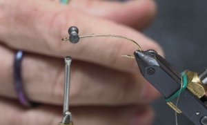 Tying Flies with Lead Dumbbell Eyes ...