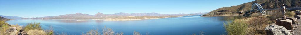 panorama of lake roosevelt and Rick | https://juliesaffrin.com