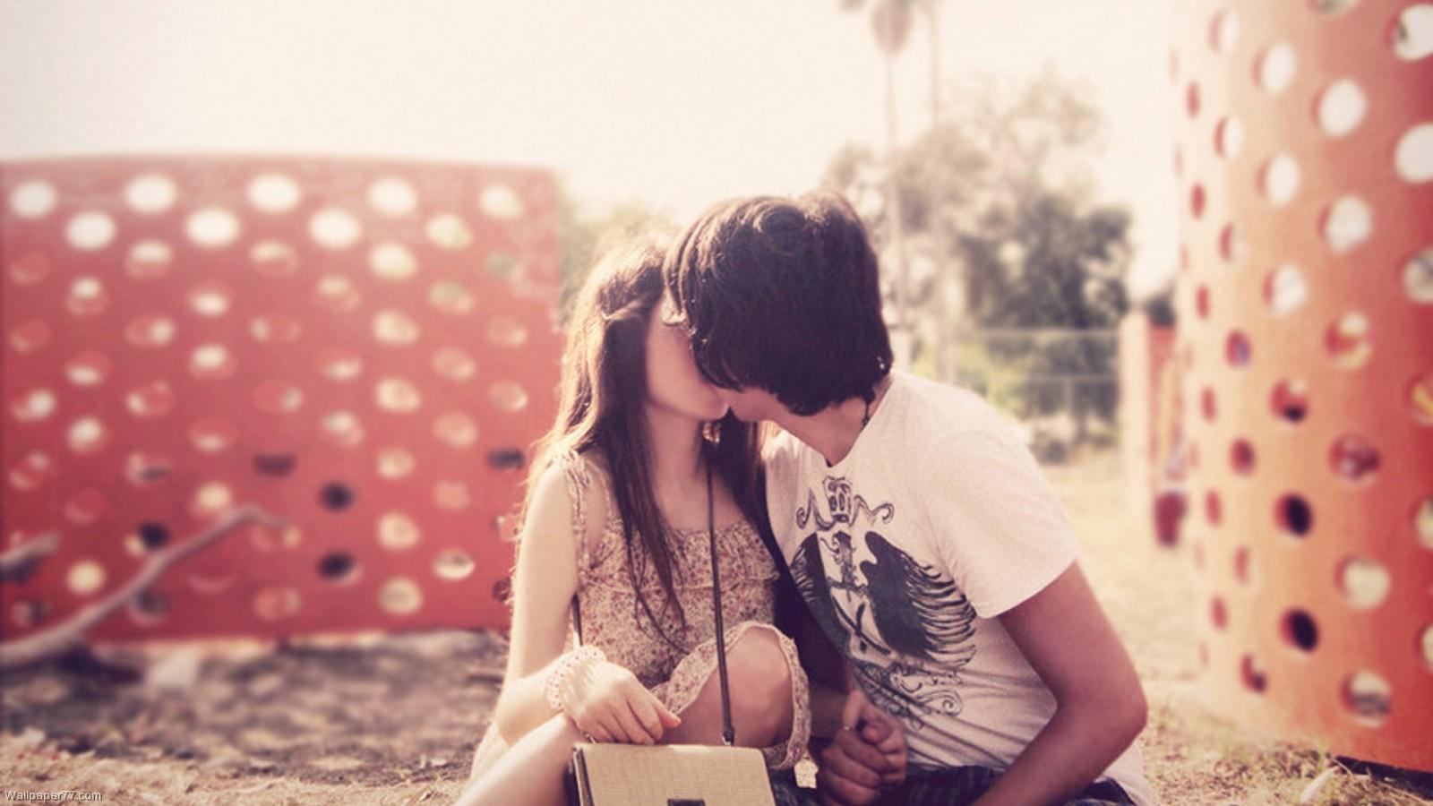 Love at first sight. Summer romance.