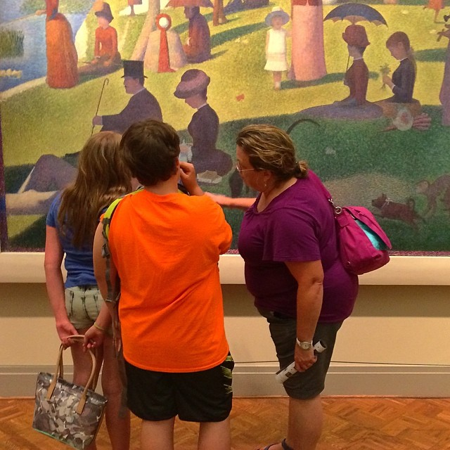 As she taught me, she teaches a new generation about #modernart #modern_art #chicago #chicagoartinstitute #chicago_art_institute #seurat Sunday In The Park