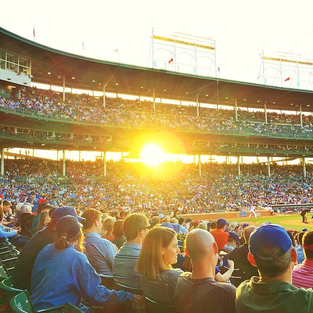 #sunset #wrigley #field #chicago #cubs #roadtrip #usa #family #familytrip