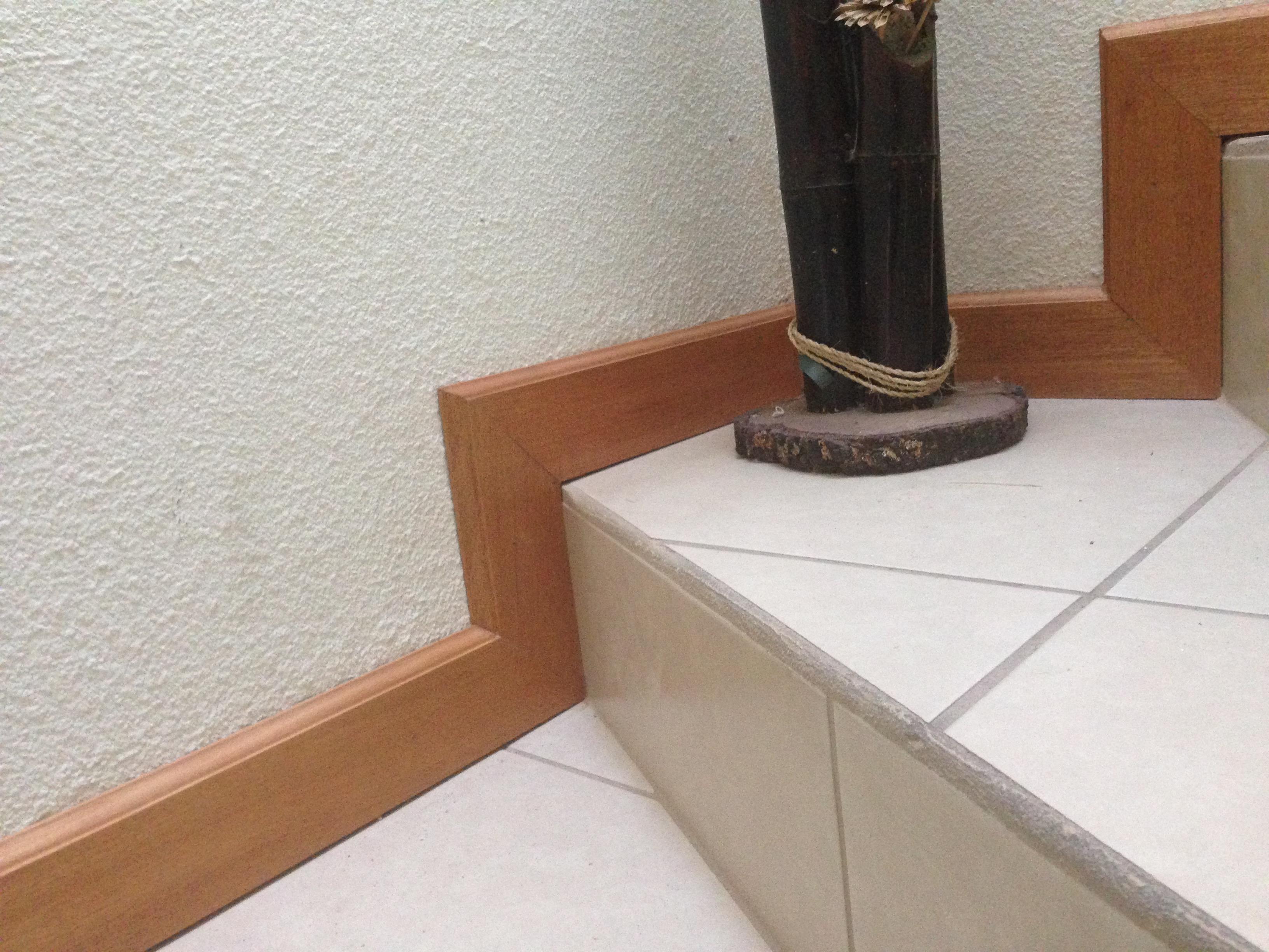 Zocalo Caoba 9 cms