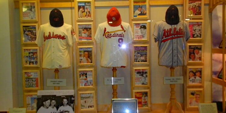 Roger Maris Museum: Jerseys