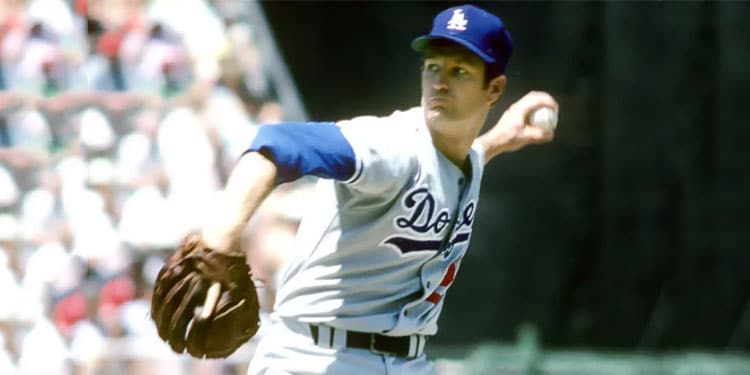 Tommy John Pitching for the LA Dodgers in 1974