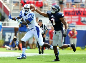 Florida Atlantic Owls defensive back Keith Reaser (3) blocks a a pass intended for Middle Tennessee Blue Raiders wide receiver Chris Perkins (16) during the second quarter at FAU Football Stadium. Mandatory Credit: Steve Mitchell-USA TODAY Sports