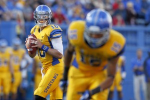 San Jose State Spartans quarterback David Fales (10) looks to throw a pass against the Fresno State Bulldogs in the third quarter at Spartan Stadium. The Spartans defeated the Bulldogs 62-52. Mandatory Credit: Cary Edmondson-USA TODAY Sports