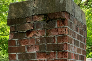 closeup-chimney-decay-cracking