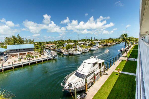 Boot-Key-Harbor-Canal-Comfy-Condo-Marathon-Florida (16) (Copy)