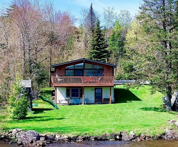 Quaint Pines Chalet On Chazy Lake