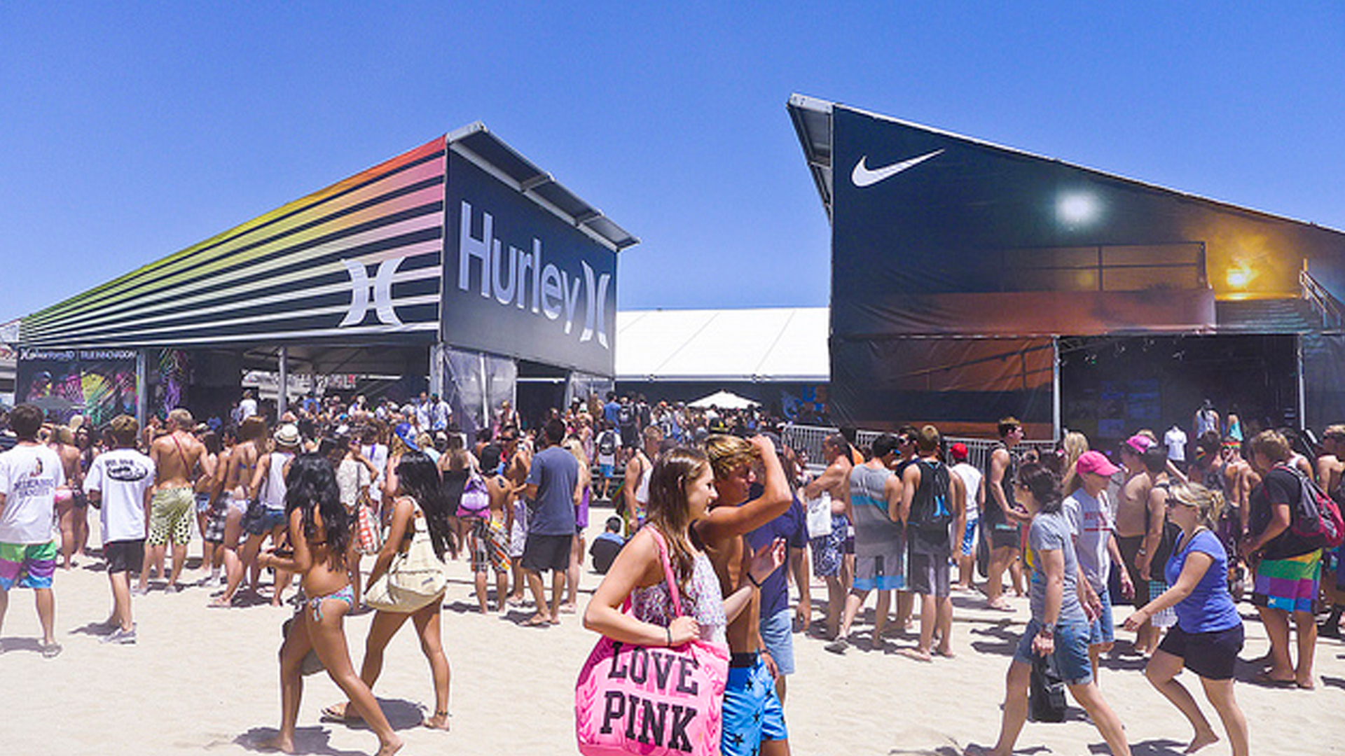 NIKE U.S. Open Surfing Beach Event. Live stage tent activation, product information, leaderboard, and celebrity signings.