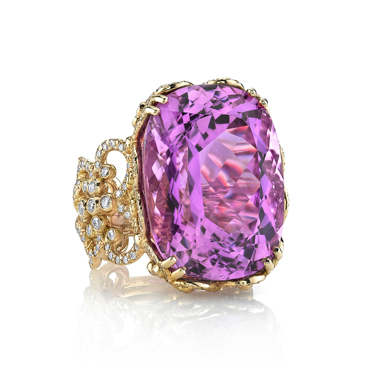 KUNZITE ISABELLE RING 18K Yellow gold ring featuring a 37.27 ct. Kunzite, 1.92 ct.w of Diamonds and 0.82 ctw. of Purple Sapphires.
