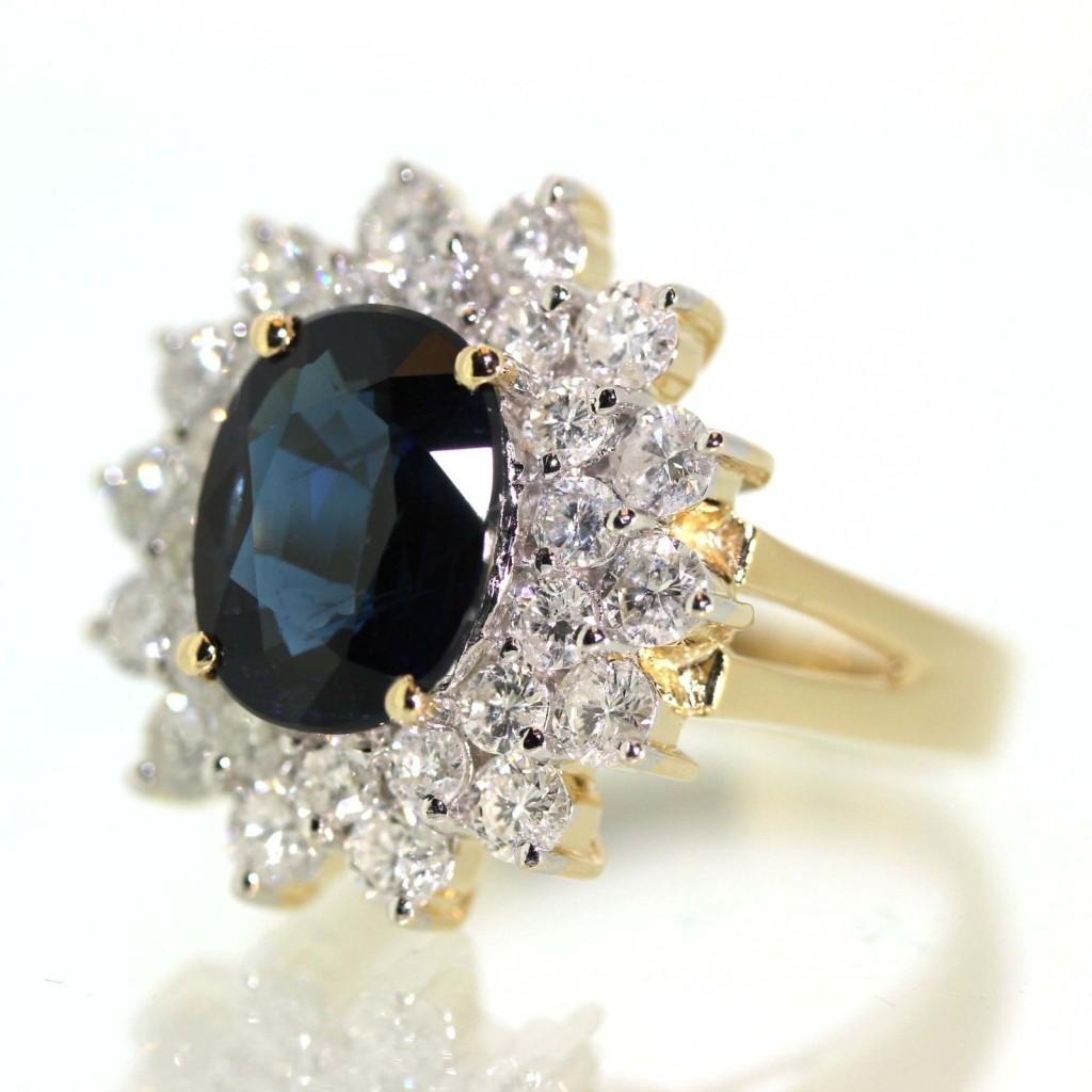 Gorgeous Sapphire Diamond Ring