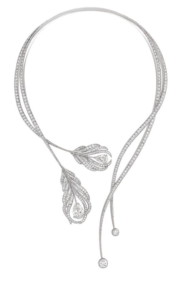 Chanel Plume necklace with diamonds