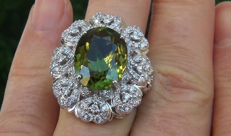 GIA 9.39 ct VVS1 Natural Chrome Green Tourmaline Diamond 18k White Gold Ring