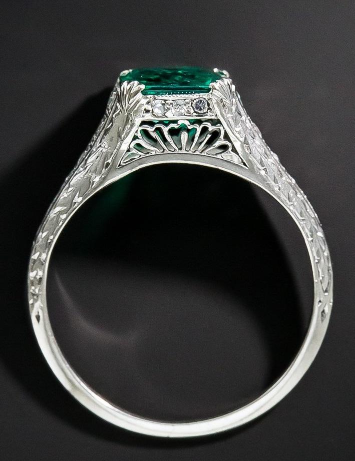 Art Deco 1.22 Carat Emerald and Diamond Ring