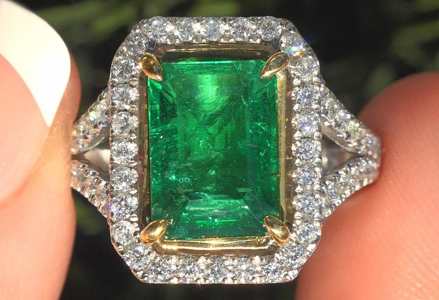 """GRS Certified 4.59 tcw VS Clarity Single Hue Green Color Emerald & Diamond Engagement Ring """"Solid 14k Gold"""""""