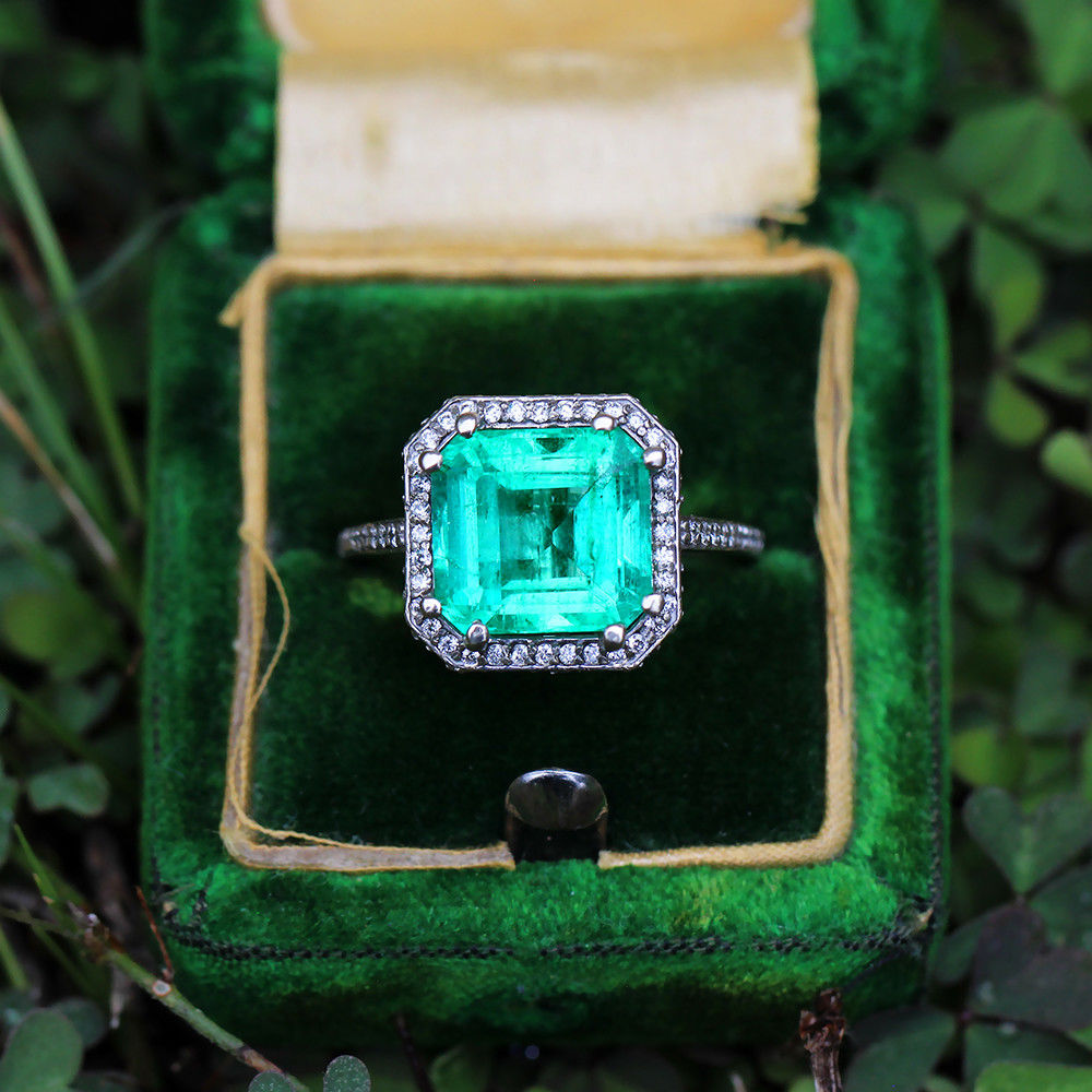 Colombian Emerald Ring with Diamonds in 14kt White Gold 5.48ctw