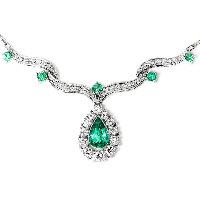 Vintage Pear Emerald Pendant Necklace with Diamonds in 14kt White Gold 3.00ctw