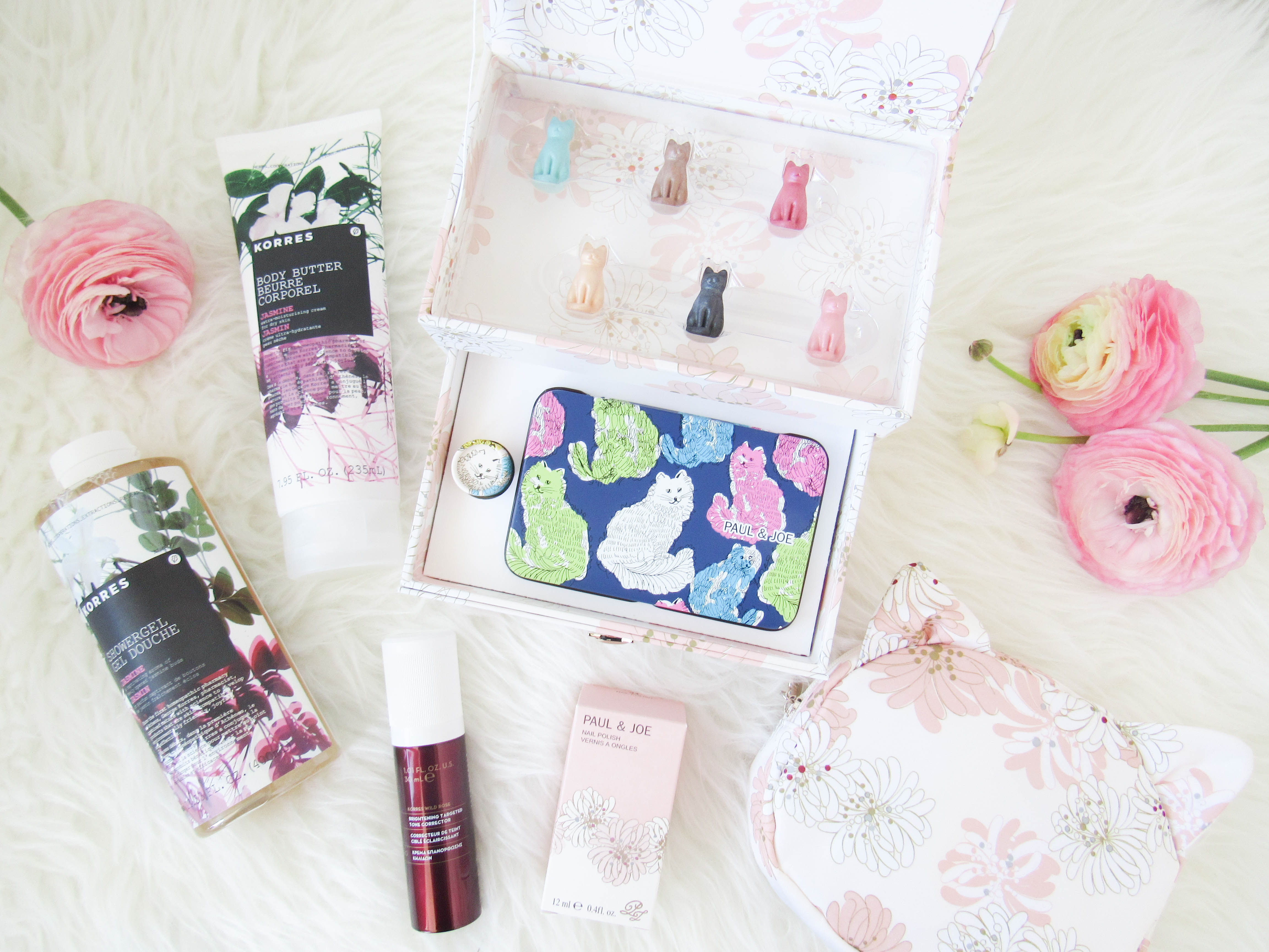 Beauty Gift Ideas for Mom + Giveaway!