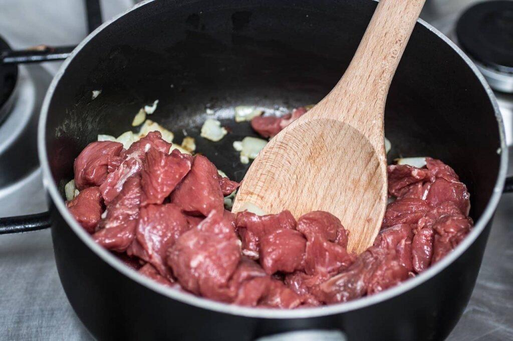Pan fry stew beef