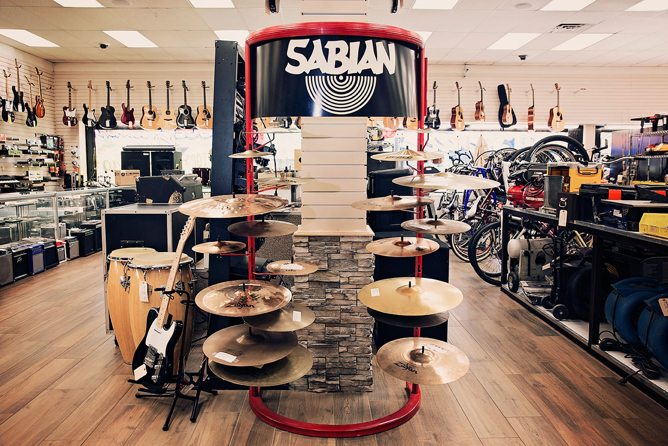 Store-banner-with-cymbals