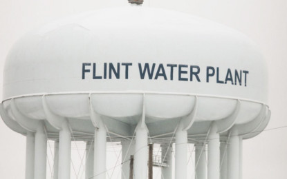 West Michigan Latino Organizations Join Forces to Help Flint Water Crisis