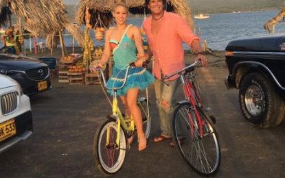 """Lanzamiento mundial del Sencillo de Carlos Vives y Shakira """"En la Bicicleta"""""""