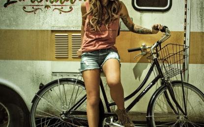 KANY GARCÍA refresca este verano con su Limonada