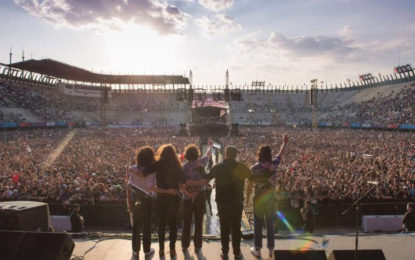 Enjambre Triumphs as one of the headliners of the Vive Latino 2018 festival
