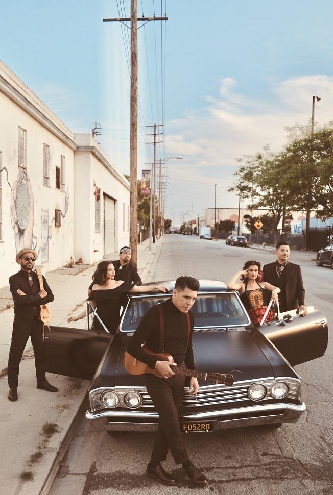 Banda Latinx LAS CAFETERAS Interpreta versión 'spanglish' de'Georgia on My Mind'