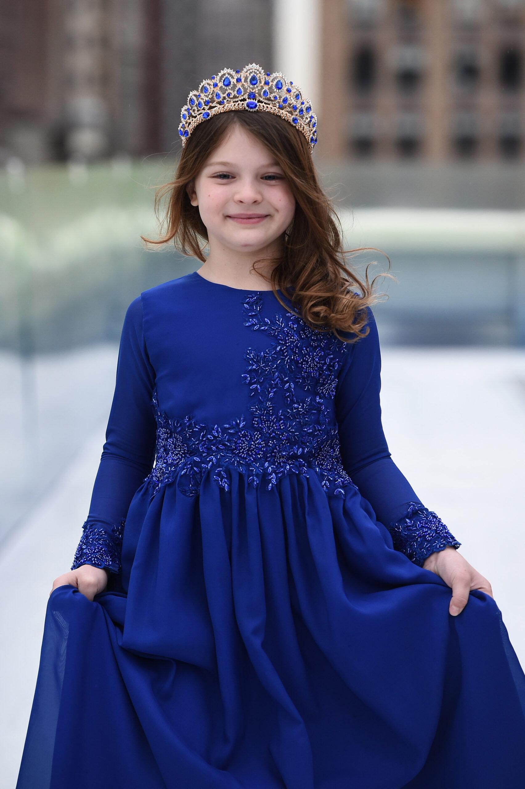 Eva La Cúz lanza colección Jewel con impresionantes vestidos artesanales para niños
