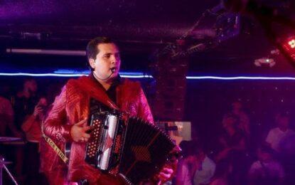 """""""Eres Mi Crush"""", el nuevo tema de el Grupo Marca Registrada, Es el """"Hot Song"""" de La Semana en el Listado General de Monitor Latino"""