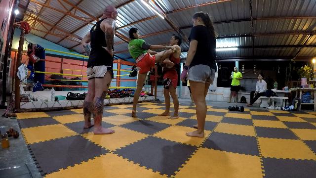 Jaroonsak Muay Thai Gym