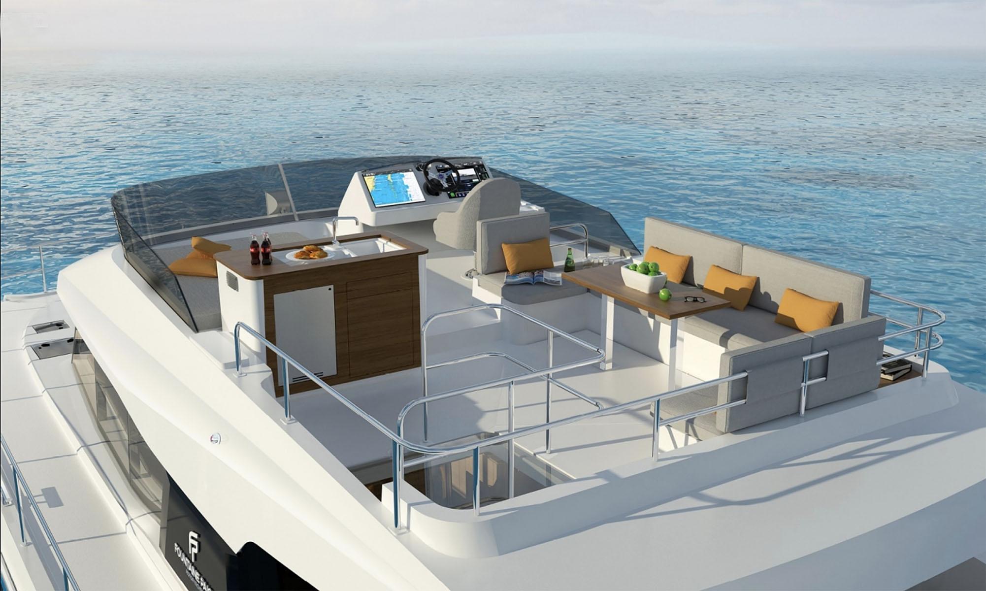 MY40-upper-deck