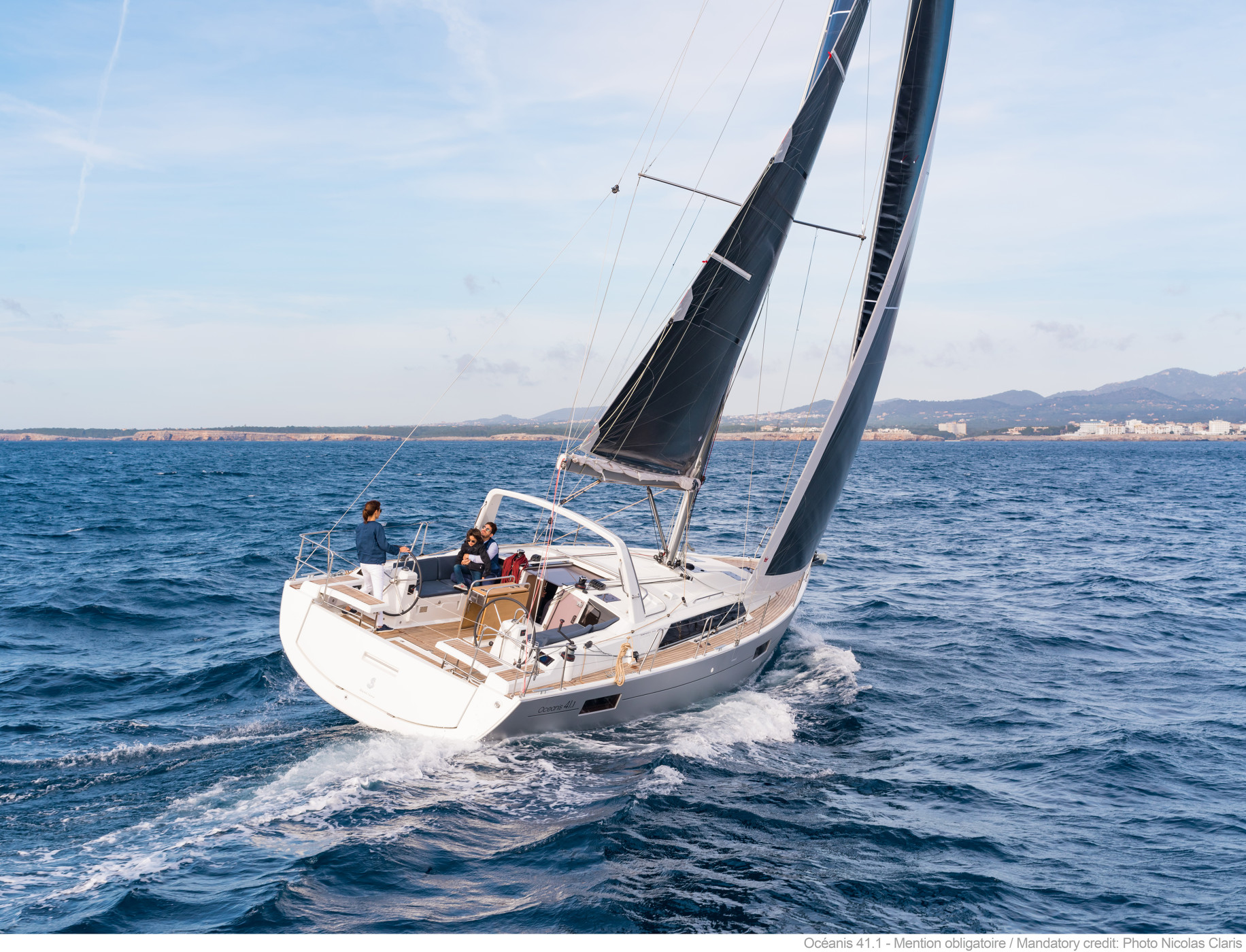 SALE SPECIAL – Beneteau 41.1 Hull #82. Save $14,586! Now SOLD!