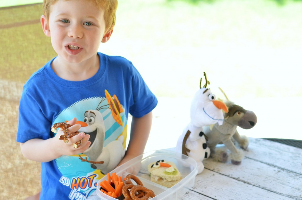 FROZEN, FROZEN the movie, Walmart toys, Olaf toy, Elsa toy, #FROZENFun, #shop, #cbias
