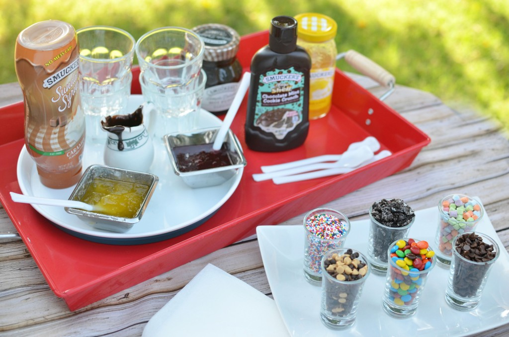 Smucker's Toppings| Make Any Day a Sundae | #SundaeFundae #ad