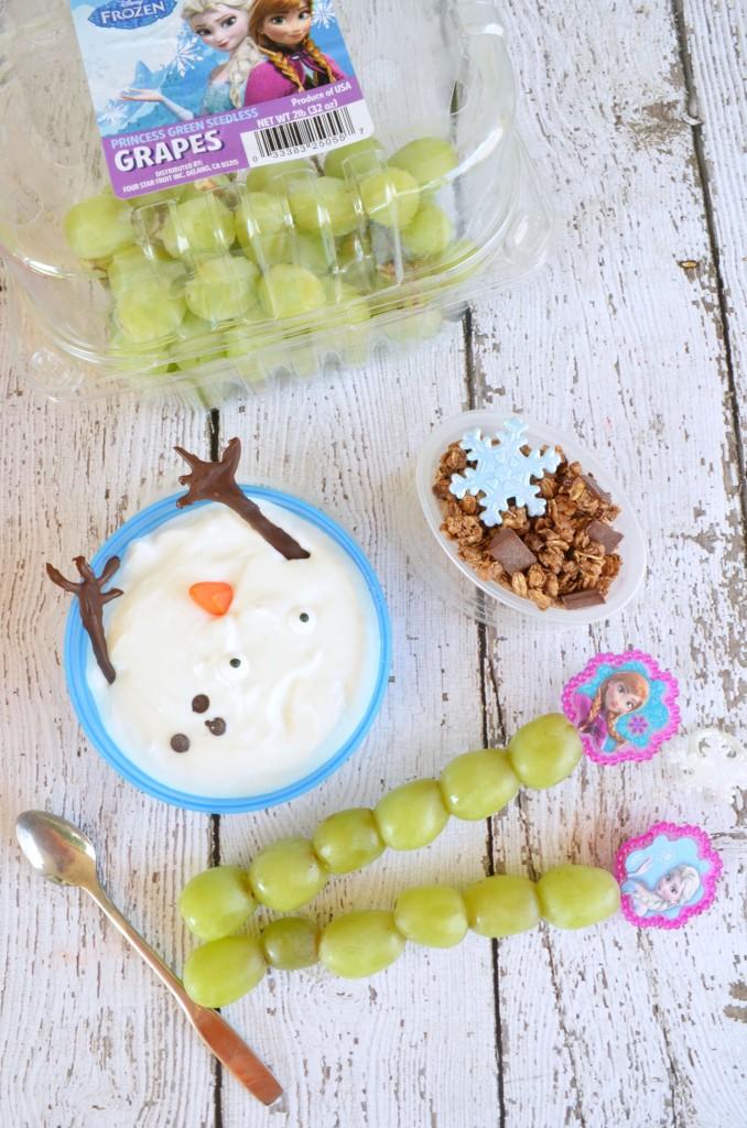Disney FROZEN School Lunch | melted Olaf greek yogurt., frozen fractal grapes, and reindeer munch granola #DisneyFROZENGoesFresh [ad]