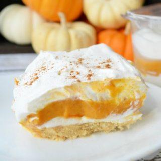Pumpkin Pie Lasagna | Delicious no-bake layered dessert.