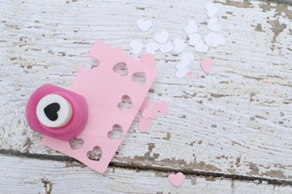 Easy printable gift card box perfect for Valentine's Day AND a crafty giveaway from Polaroid. #ad